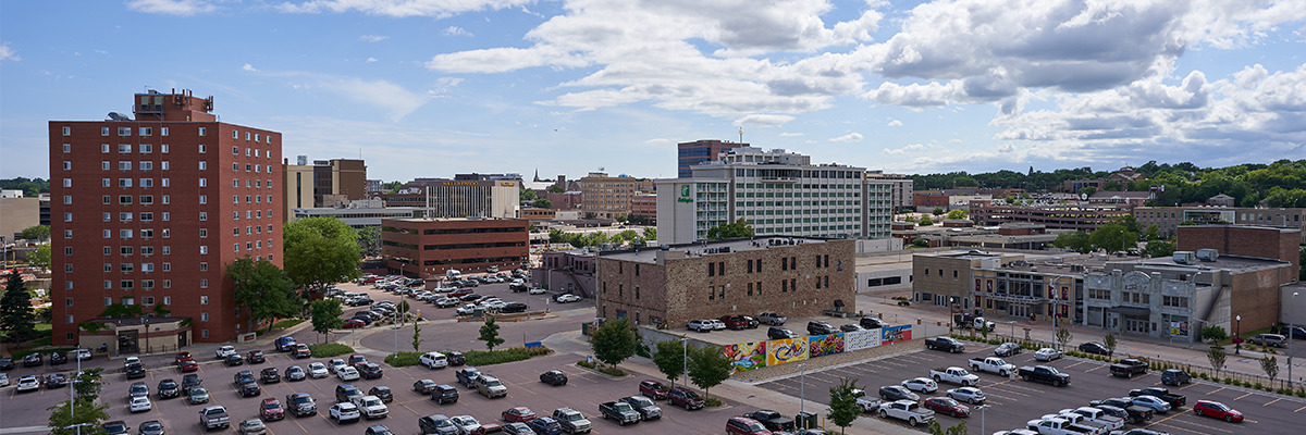 Sioux Falls Skyline from Raven