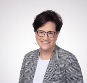 Michelle Erpenbach Headshot